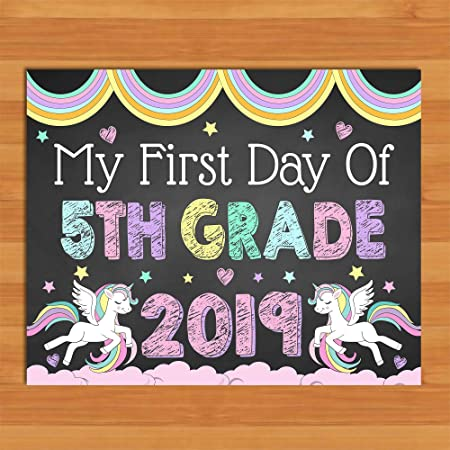 Dozili Cartel de Unicornio para el Primer día de la 5ª ...