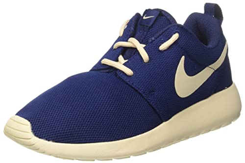 8d1e7107abcc Nike Women s WMNS Roshe One Low-Top Sneakers