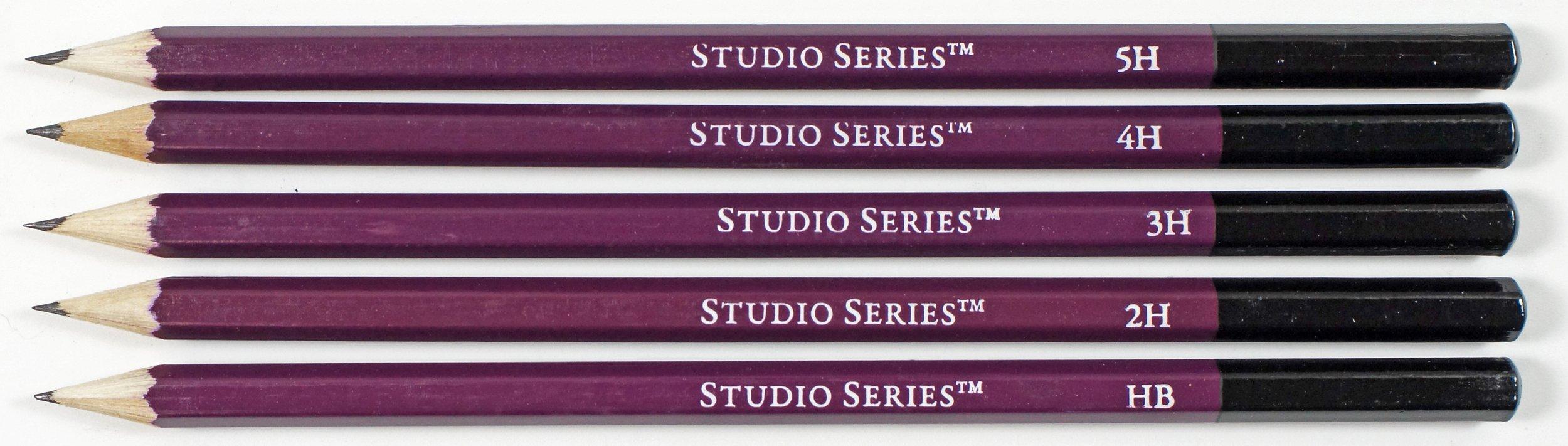 Studio Series 25-Piece Sketch & Drawing Pencil Set (Artist's Pencil and  Charcoal Set): Peter Pauper Press: 9781441310200: Amazon.com: Books