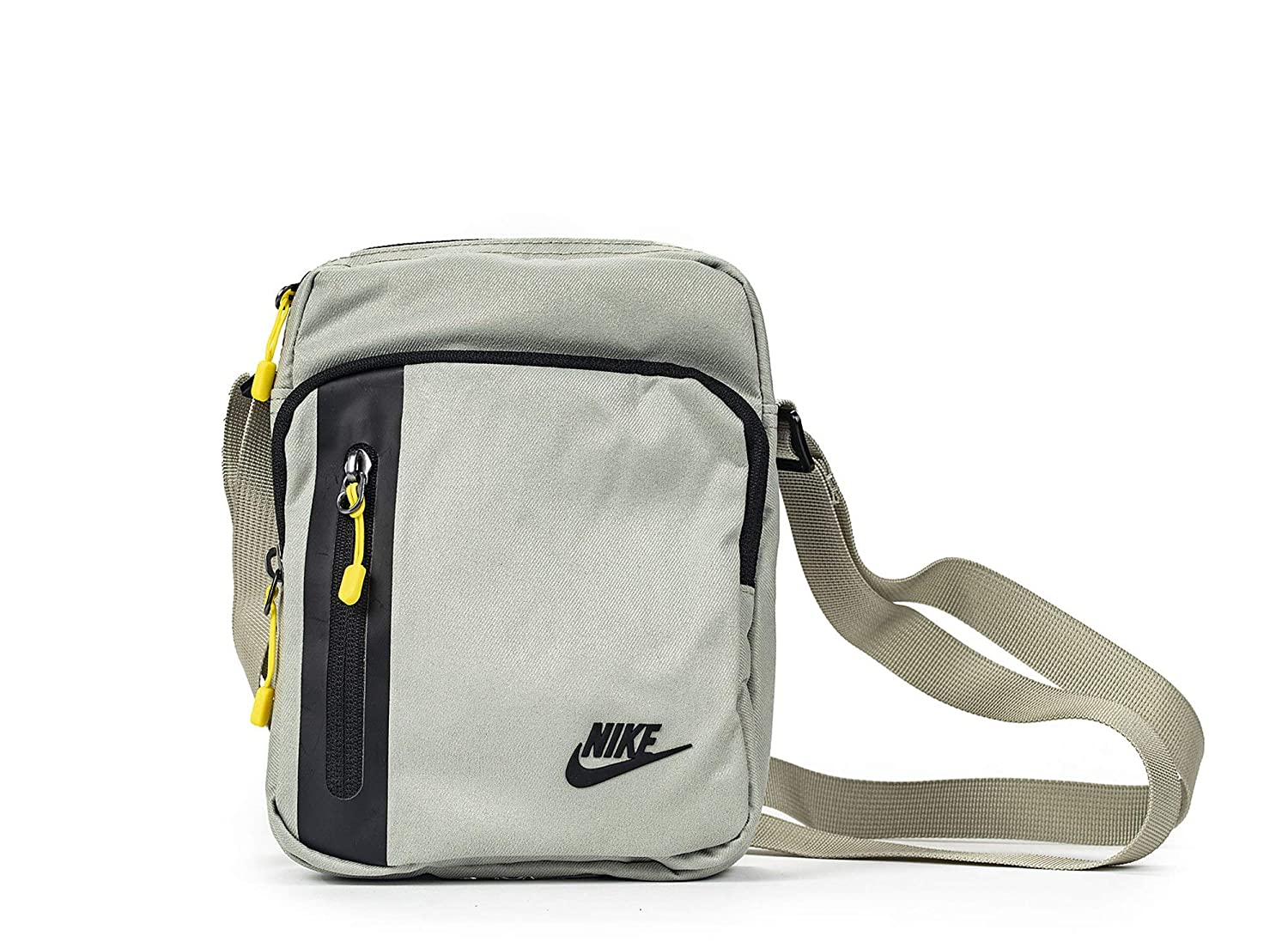cd714534af Nike Men s Core Small Items 3.0 Shoulder Bag  Amazon.co.uk  Sports    Outdoors