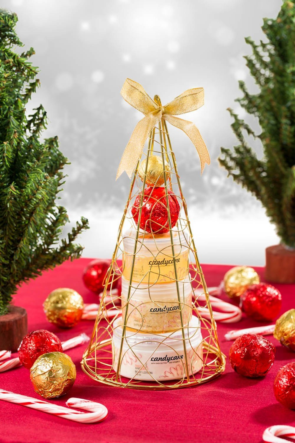 Christmas Holiday Spa Bath & Body Gift Set Candy Cane Peppermint Holiday Fragrance Gold Christmas Tree Display Includes 2 Bath Bombs, Body Lotion, Shower Gel, Bath Salt Bath Spa Basket Gift for Her