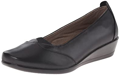 Eastland Women's Harper Slip-On Loafer, Black, ...