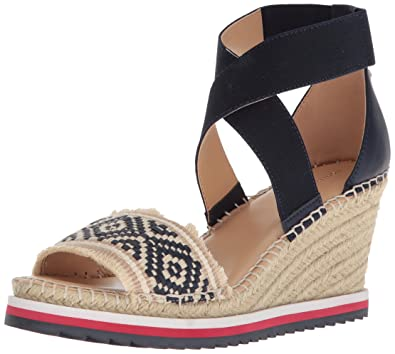 110d46e069e8 Tommy Hilfiger Women s YEMINA Espadrille Wedge Sandal Navy 7.5 Regular US
