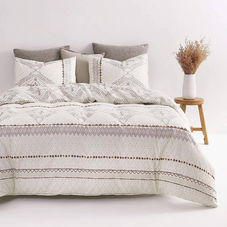 Wake In Cloud - Beige Boho Comforter Set, Aztec Diamond Shape Bohemian Pattern Printed on Ivory Cream, Soft Microfiber Bedding
