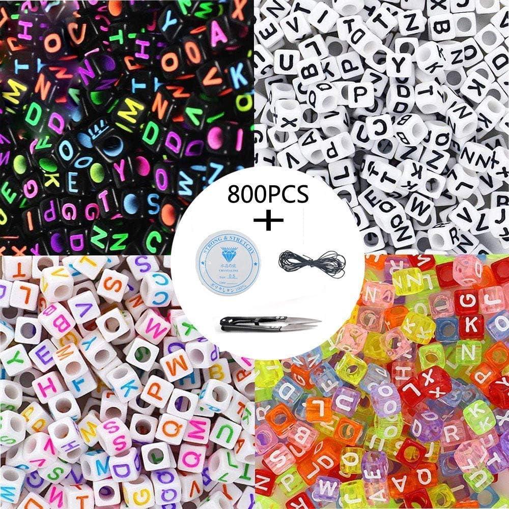 800pcs 4 letras de letras del alfabeto de acrílico de color A-Z Cube los granos con 1 cortador de hilo 1 cordón negro y 1 hilo de seda para joyería Hacer a los niños DIY collar pulsera