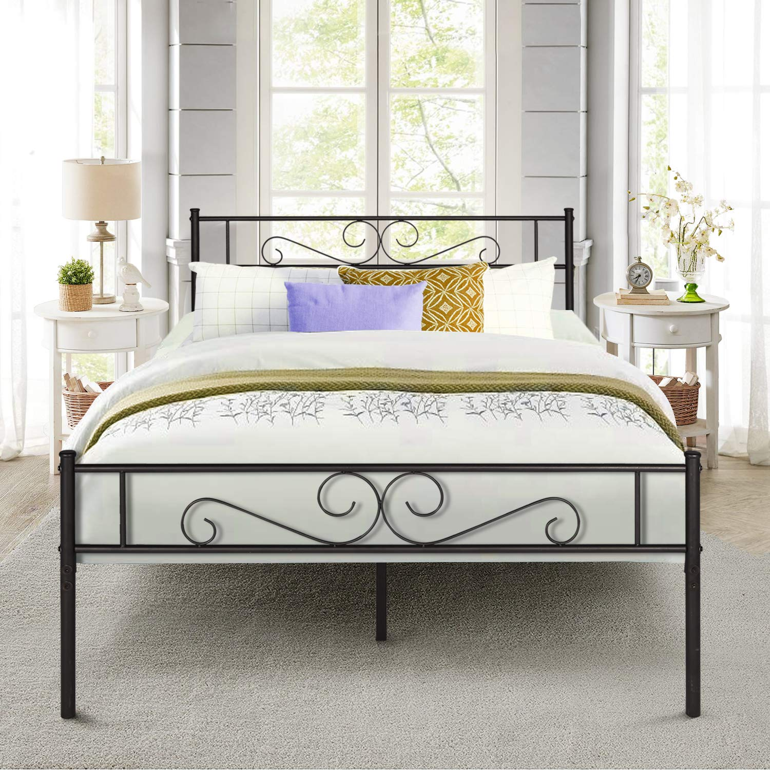 VECELO Bed Frame Mattress Foundation with Vintage Headboard Footboard, Easy Assembly, Queen, Black