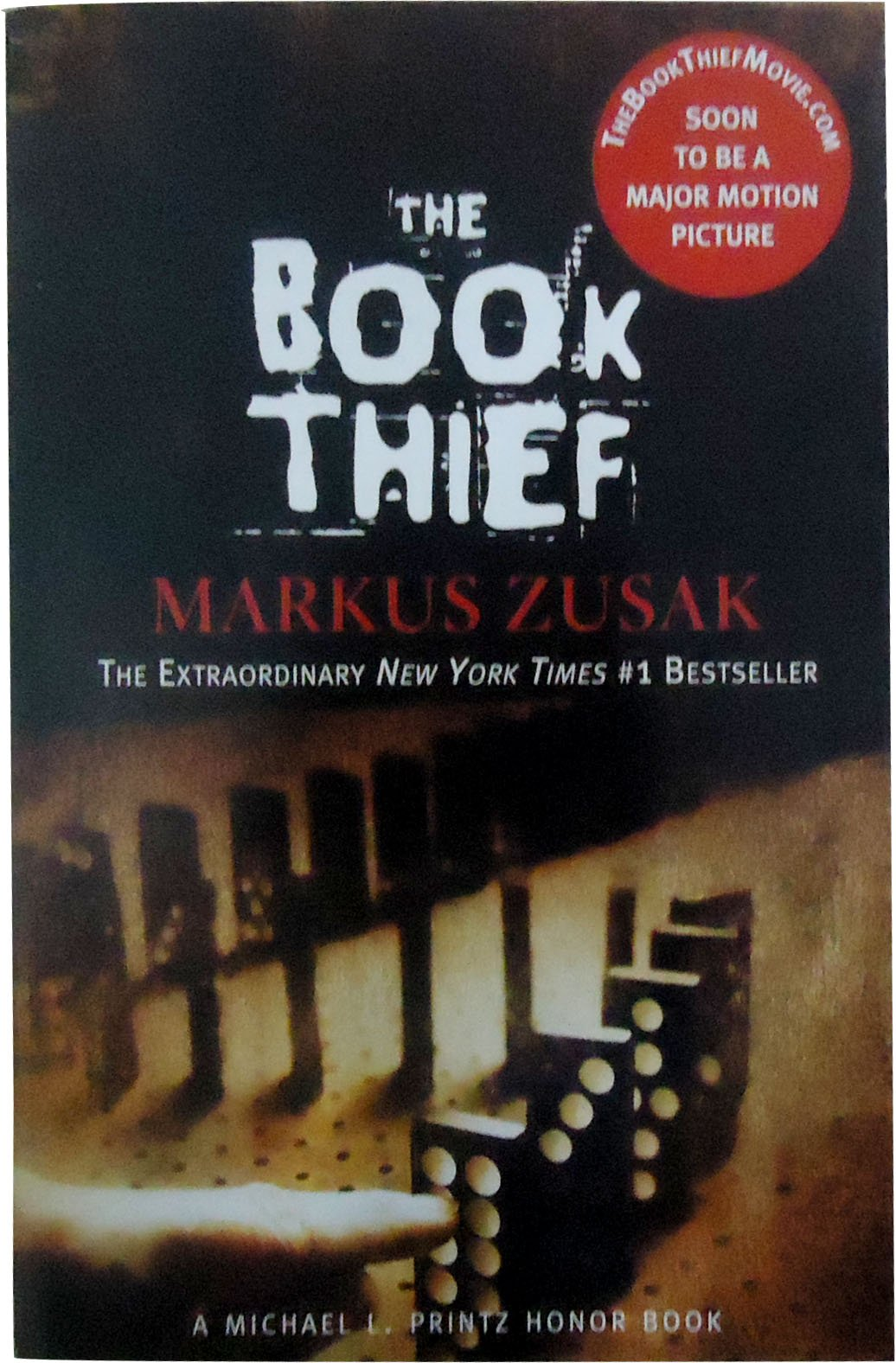 the book thief markus zusak 9780375842207 com books