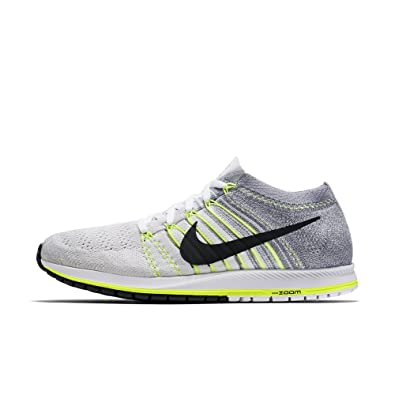 fdae13662c5 Amazon.com  Nike Flyknit Streak Unisex Running Shoes (M 6   W 7.5 ...