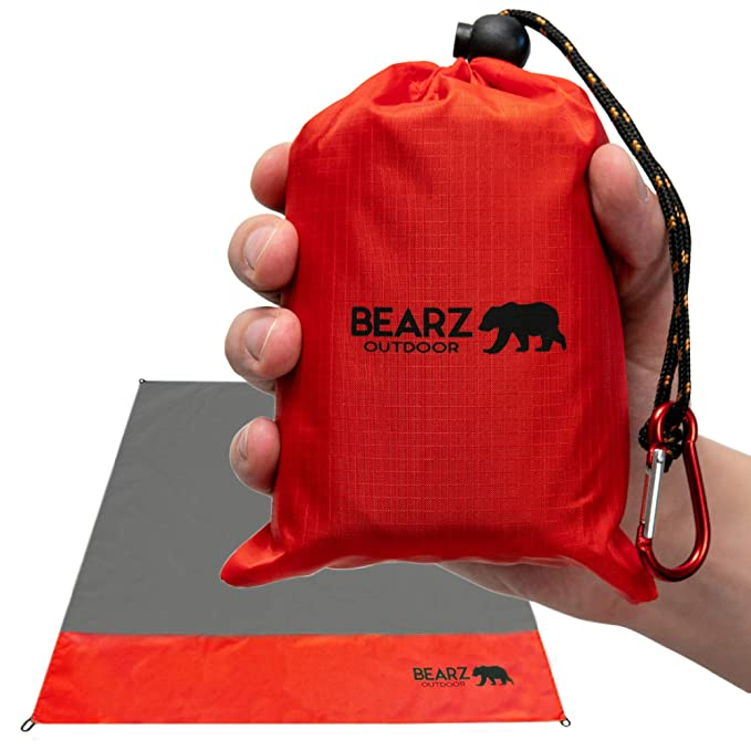 BEARZ Outdoor Compact Pocket Blanket 55″x60″ - Compact and Lightweight