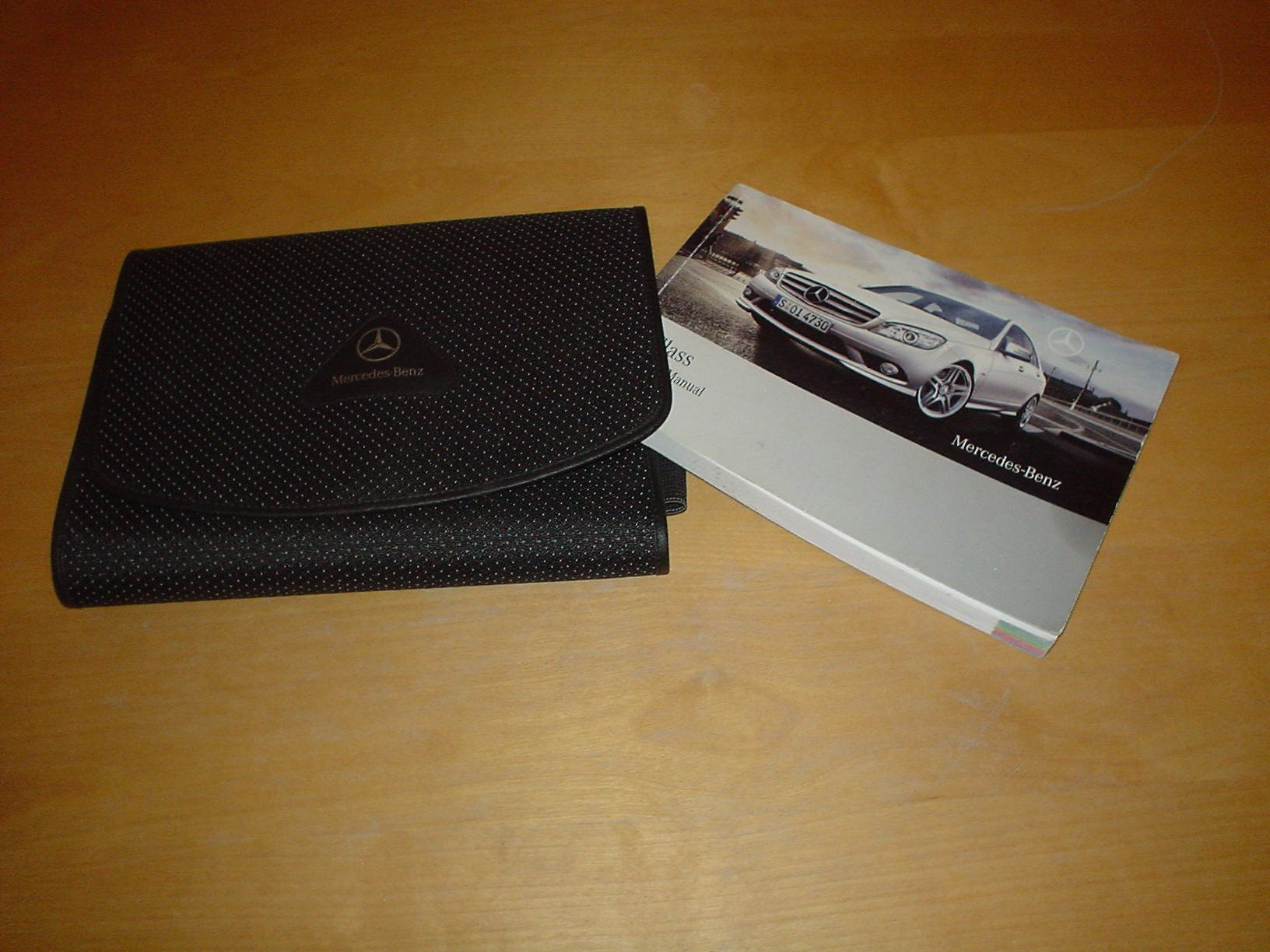 MERCEDES BENZ W204 C-CLASS OWNERS MANUAL HANDBOOK with