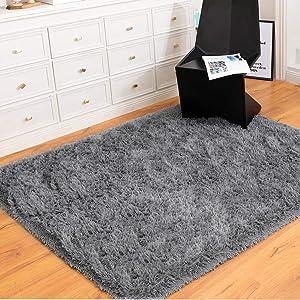 Yome Machine Washable Area Rug, Shaggy Home Decor Floor Rug, Carpet Overlocking on Edges, Ultra Soft Carpet for Bedroom, Living Room, Children's Room, Book Room, Fluffy Rug 3 x 5 Feet, Grey.