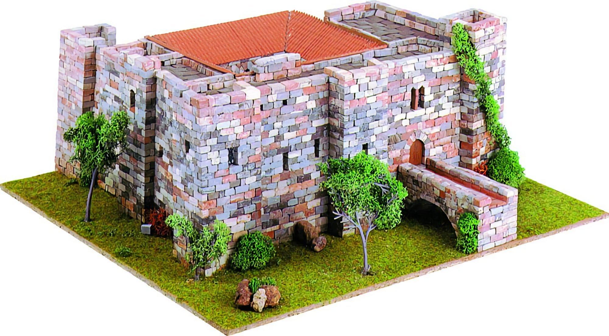 Castle (Castellum) 4 - premium model diorama kit by Domus