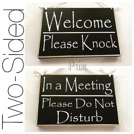 Dos cara bienvenida por favor Knock/en una reunión por favor ...