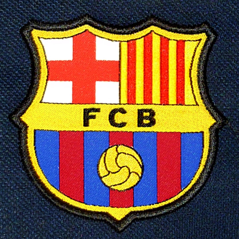 bdea621cf7 FC Barcelona - Polo oficial para hombre - Con el escudo del club - Azul  marino Regalos de vacaciones
