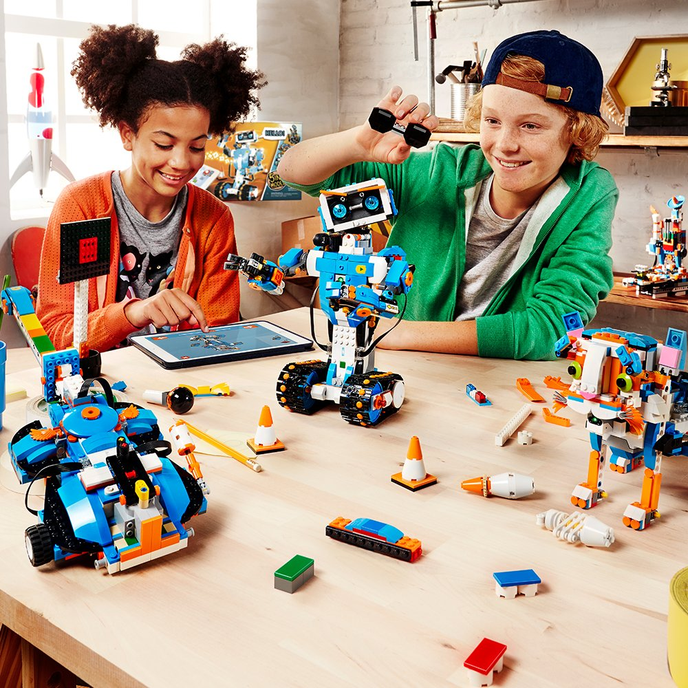 LEGO Boost Creative Toolbox - Building and Coding Kit