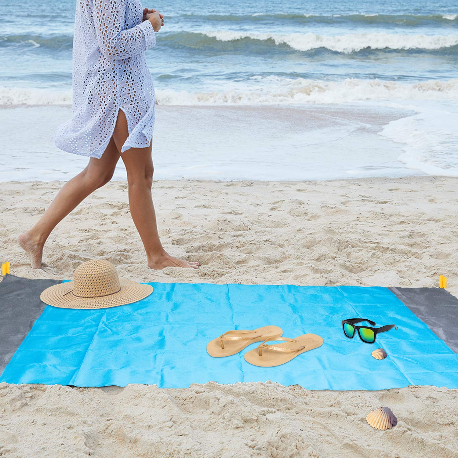 "MENOLY Sand Free Beach Blanket Outdoor Beach Blanket Heavy Duty Waterproof Beach Picnic Mat with 2 Pack Universal Transparent Waterproof Mobile Phone Case(79/"" X57/"")"