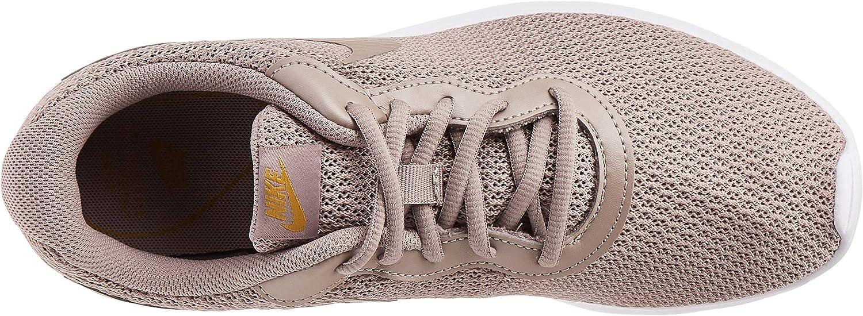 Nike WMNS Tanjun, Chaussures de Running Compétition Femme Multicolore Pumice Pumice Dark Citron 204