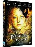 La Petite fille au bout du chemin (The Little Girl Who Lives Down The Lane)