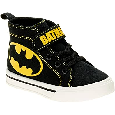 b230089fa47c DC Comics Batman Toddler Boys Shoe (13 M US Little Kid)  Amazon.co.uk   Shoes   Bags