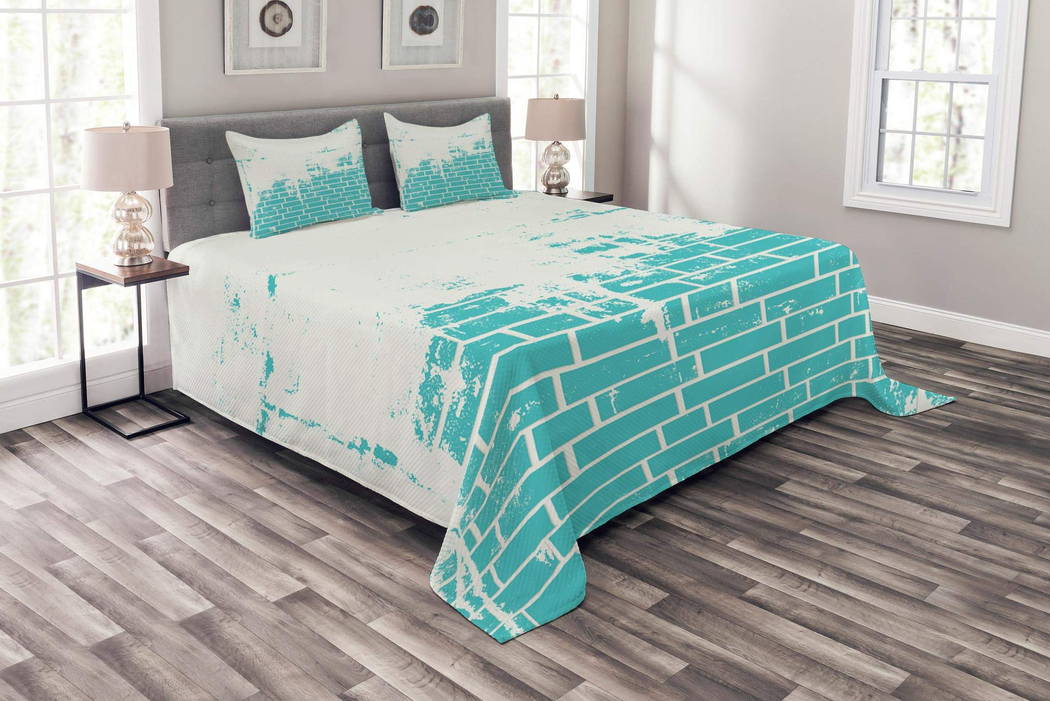 Lunarable Turquoise Bedspread Set Queen Size, Plastered Brick Wall Aged Masonry Vintage Construction Stylized Modern Art Print, Decorative Quilted 3 Piece Coverlet Set with 2 Pillow Shams, Blue White