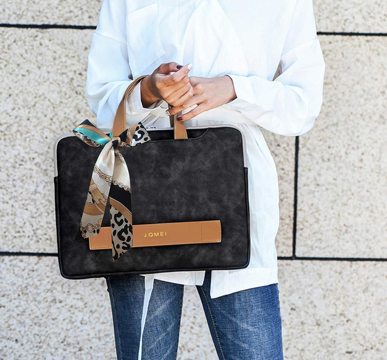 レディースにおすすめな値段の安い黒のパソコンバッグを持った女性の画像