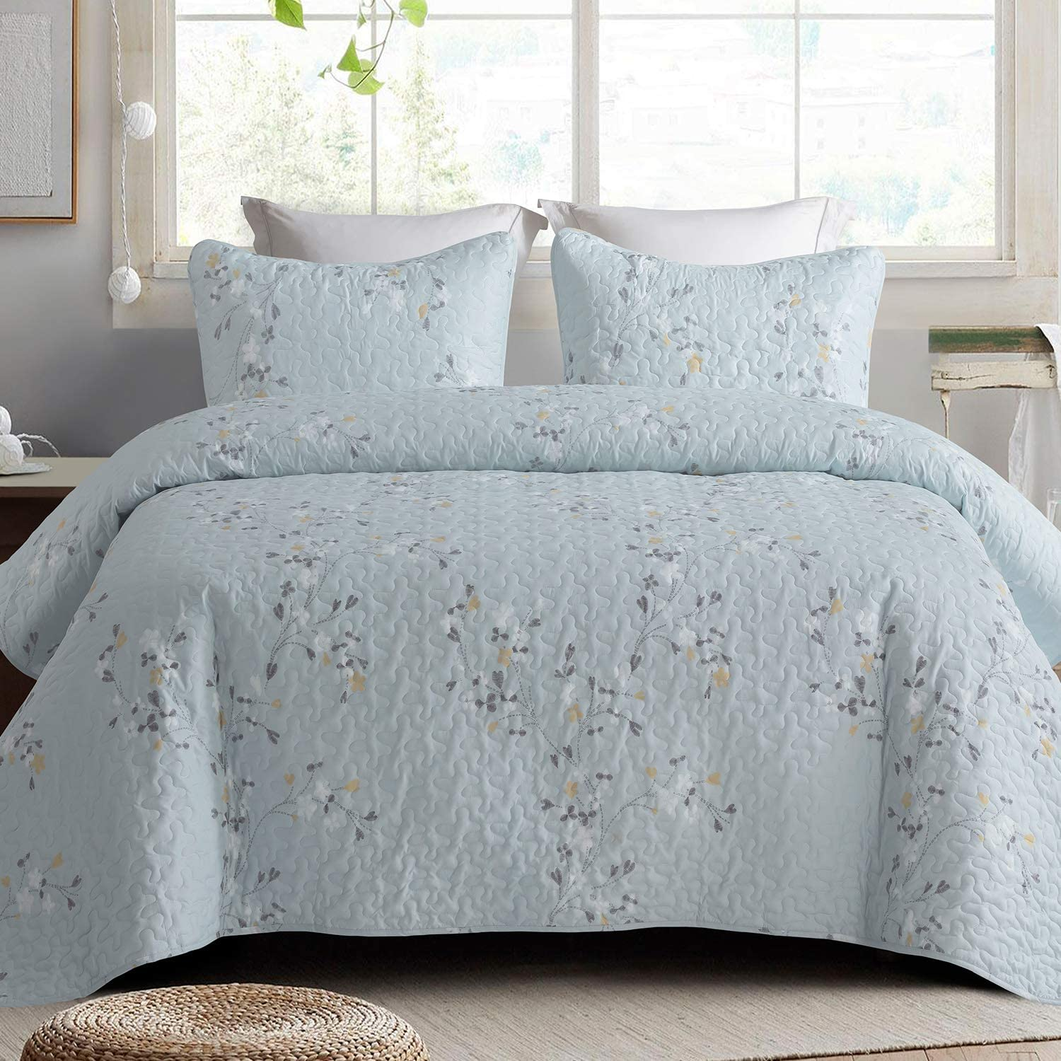 Exclusivo Mezcla Microfiber Twin Size Quilt Set for All Seasons, 2 Piece Flower Pattern Bedspread/Coverlet/Bedding Set with 1 Sham, Lightweight and Soft, (68