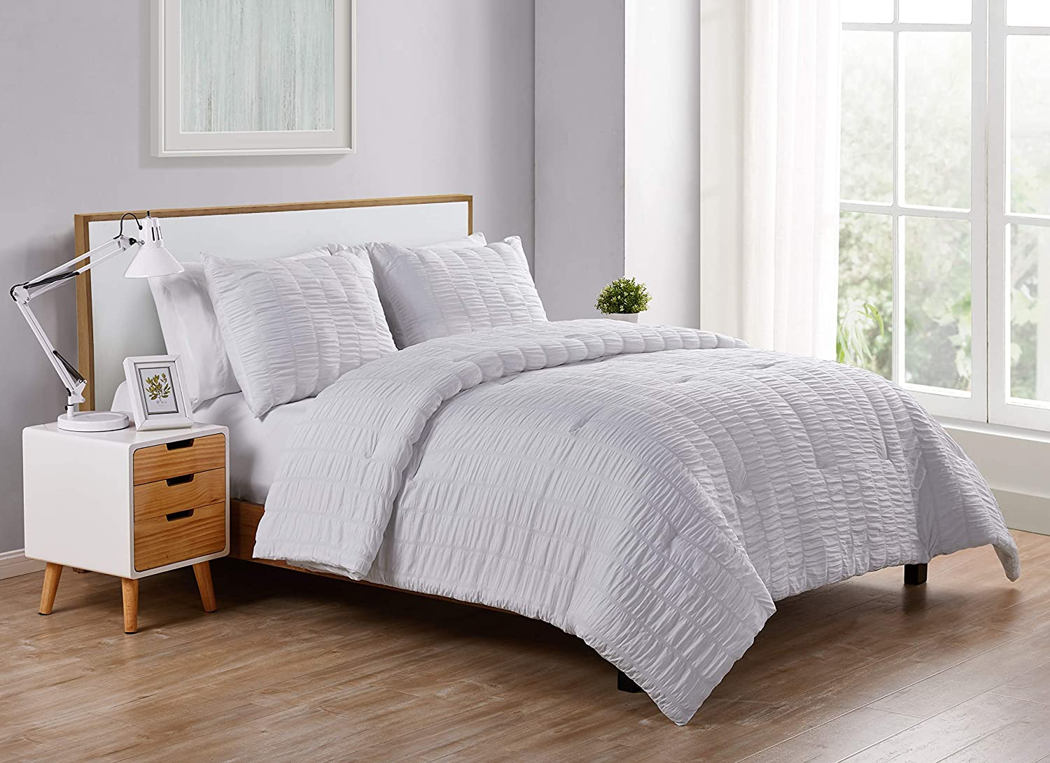 VCNY Home Billie Collection Comforter Soft & Cozy Bedding Set, Stylish Chic Design for Home Décor, Machine Washable, Ful/Queen, White