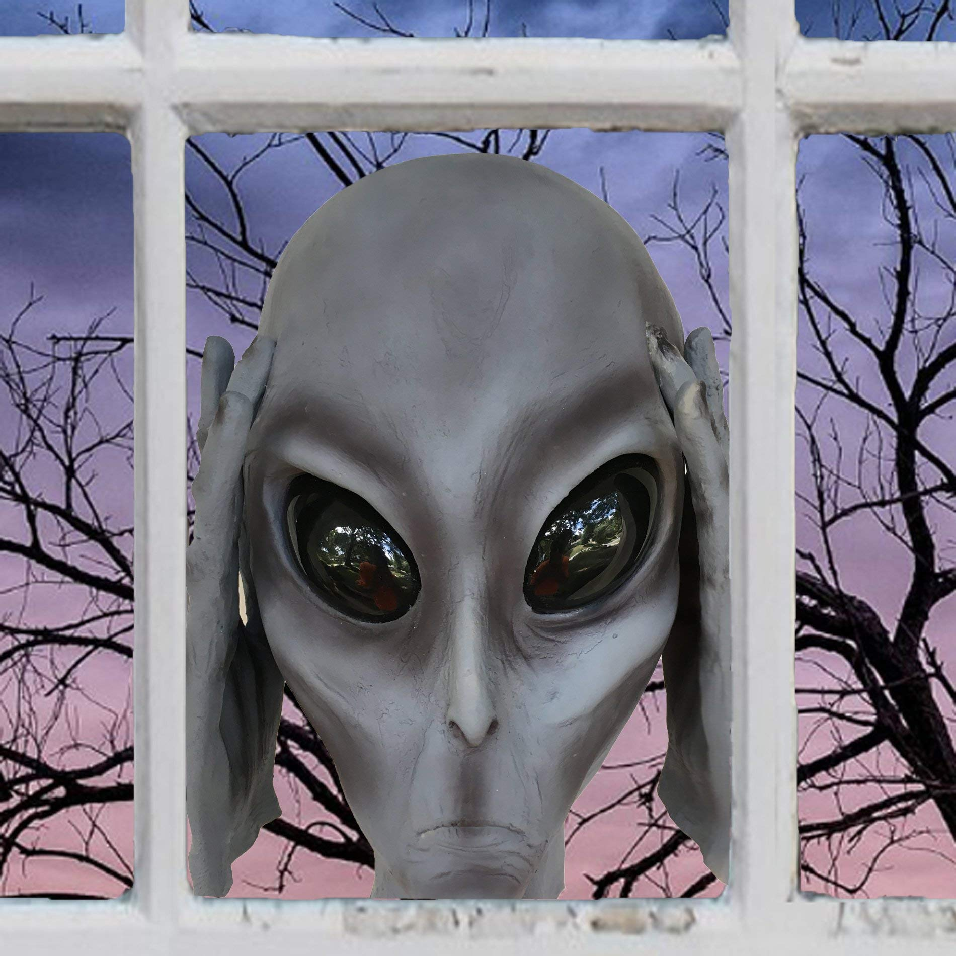 Scary Peeper Alien by Scary Peeper Fright At First Sight