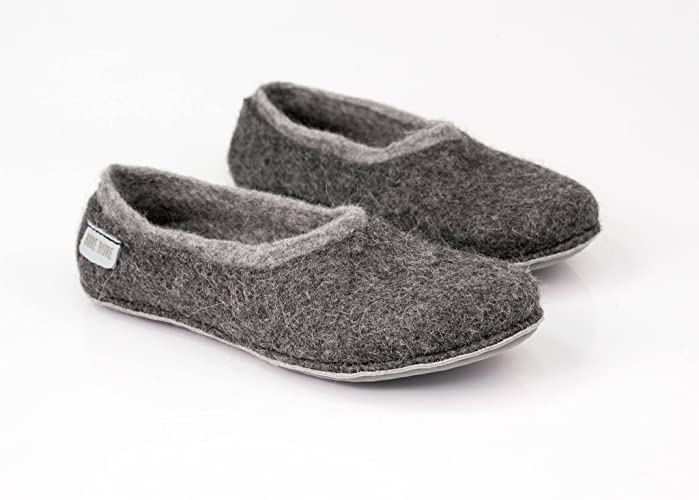 088b3929dc3dc Amazon.com: Gray Felted Warm Wool Slippers for Men Handmade in ...