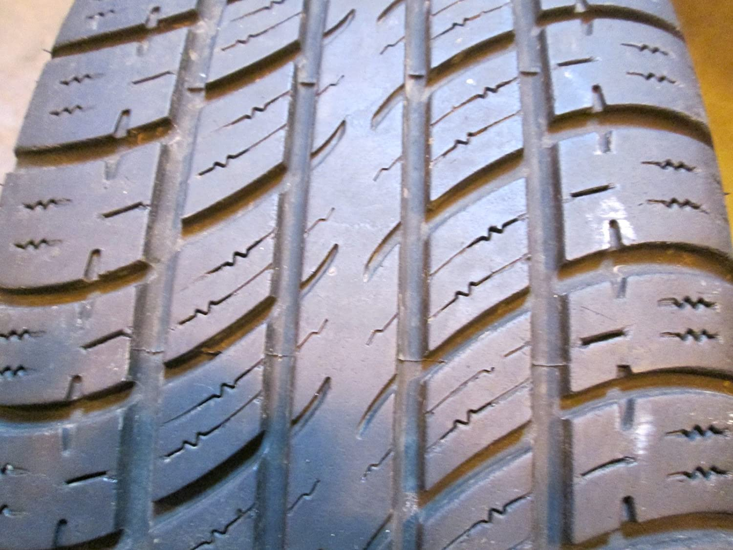 Uniroyal Tiger Paw Touring Radial Tire - 235/60R17 102T 38179