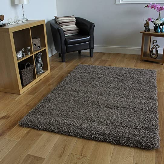 nettoyer un tapis shaggy awesome cheap tapis tapis shaggy. Black Bedroom Furniture Sets. Home Design Ideas