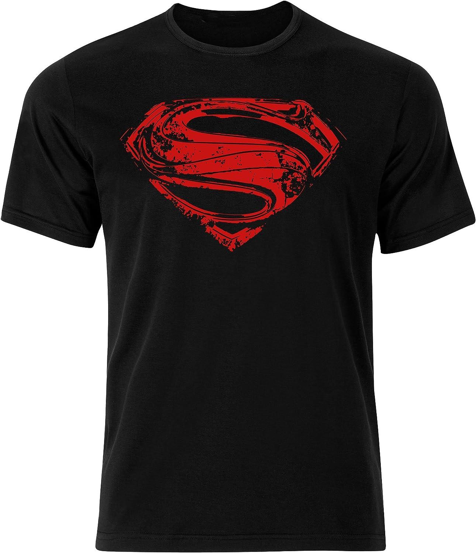 Playera con el logo de Superman en el pecho, y el logo de símbolo ...