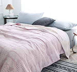 KyraHome Cotton Bedspread Coverlets Quilt Blanket, Jacquard Bedding Cover for All Season, Reversible Sides, Geometry Patterns, Twin, Queen (Light Pink, 90