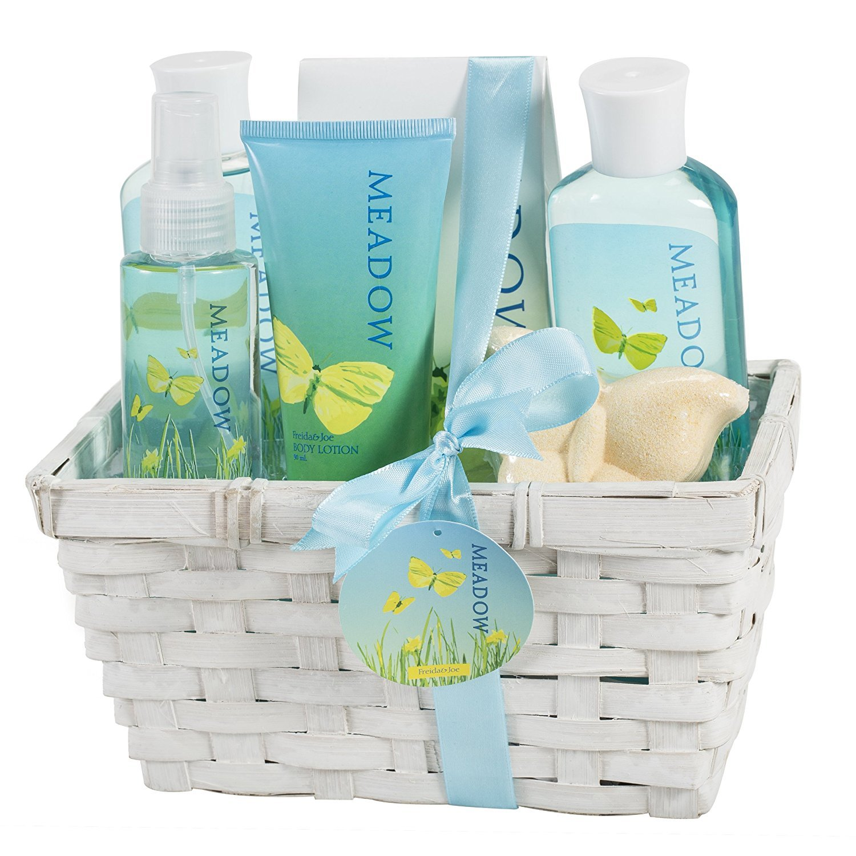 Meadow Bath Gift Set in Wicker White Basket, Shower Gel,Bubble Bath, Bath Salt,Body Lotion,Body Spray,Bath Fizzer Freida & Joe FJ-31