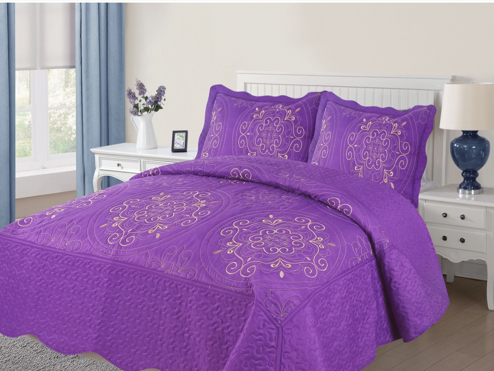 Empire Home Diana 3PC Quilted / Embroidered Oversized Medallion Bedspread (Purple, Full)