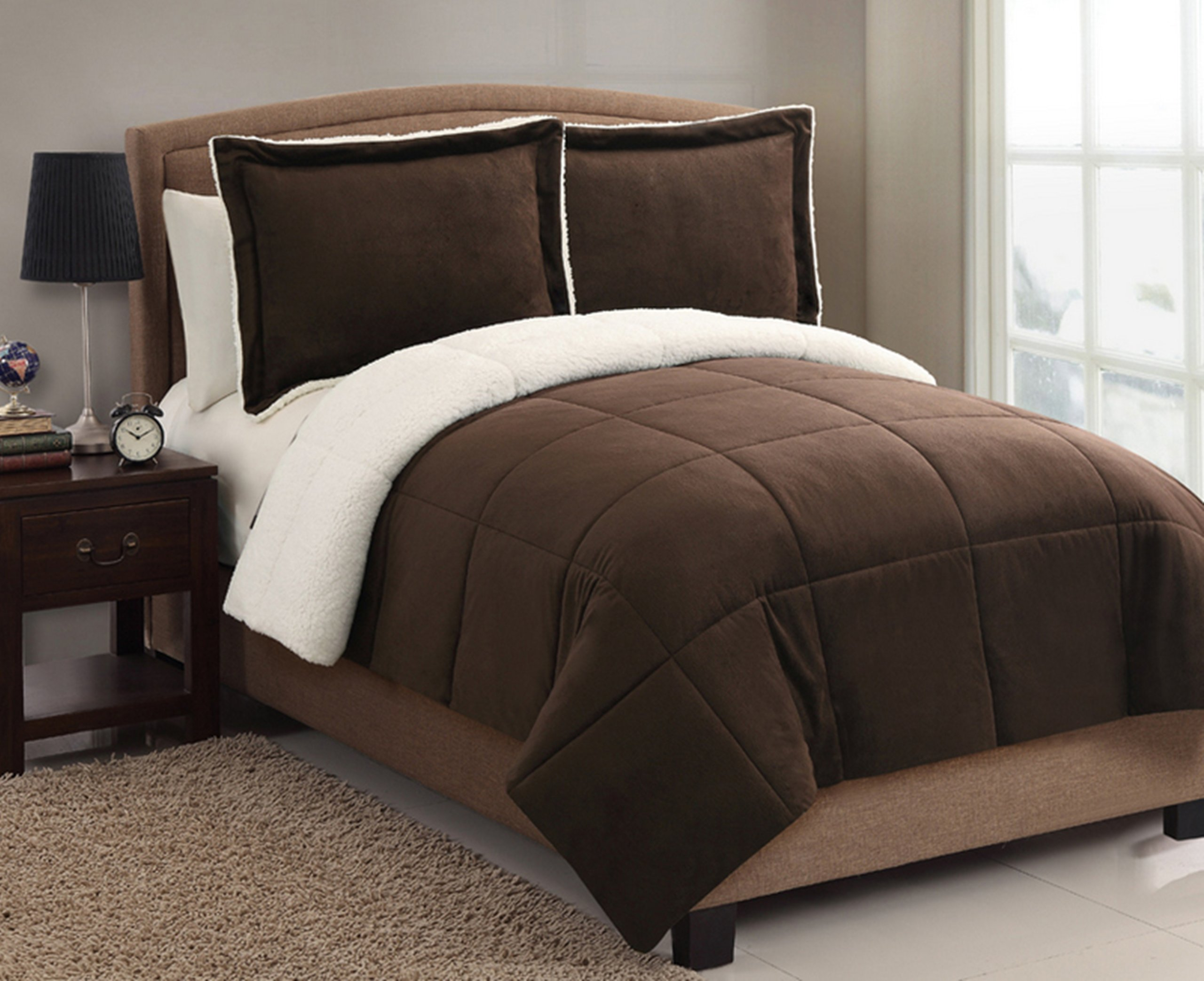 "VCNY Home Micromink coforter Set, Twin 66"" x 86"", Chocolate - Keep out the chill with the Micromink Sherpa Comforter Set, featuring plush micromink on one side and warm, sumptuously soft Sherpa on the other-the perfect blend of cozy comfort and style. Set includes one comforter and one standard shamin a super soft microfiber material that will keep you comfortable year round. Twin Comforter Bedding includes: Comforter: 66 inches x 86 inches; Standard Sham: 26 inches x 26 inches + 2 inch flange - comforter-sets, bedroom-sheets-comforters, bedroom - 81SMZcZrJBL -"