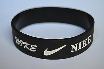 purchase cheap dce28 dcad7 Nike NK1 Baller Band Silicone Rubber Basketball Baseball Football Running Wristband  Bracelet (Black), Bracelets - Amazon Canada