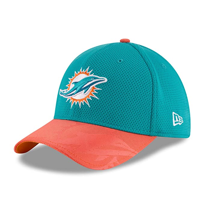 best loved 136d7 ab268 Amazon.com   New Era Miami Dolphins On-Field Sideline 39THIRTY Flex Fit Hat Cap    Clothing