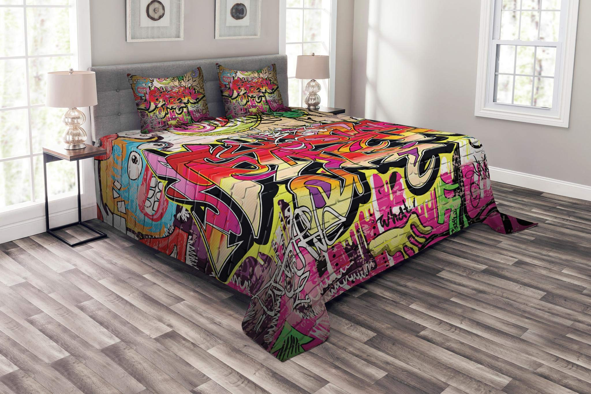 Lunarable Brick Wall Bedspread Set King Size, Graffiti on Wall Urban Street Art with Spray Paint Tagger Underground Theme, Decorative Quilted 3 Piece Coverlet Set with 2 Pillow Shams, Multicolor