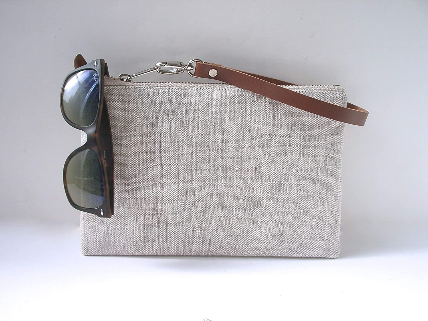 Wristlet in Simple Linen and Leather