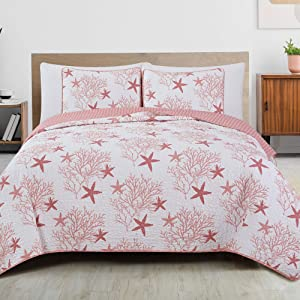 Great Bay Home 3-Piece Reversible Quilt Set with Shams. All-Season Coastal Beach Theme Bedspread Coverlet. Fenwick Collection (Full/Queen, Coral)