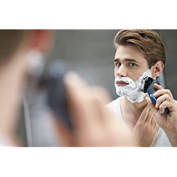 Mit einem Nass Trocken Rasierer schützen Sie Ihre Haut 10x mehr als mit herkömmlichen Rasierklingen.