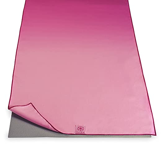 Amazon.com: Gaiam – Hot Yoga Mat Toalla, color rosa Fandango ...
