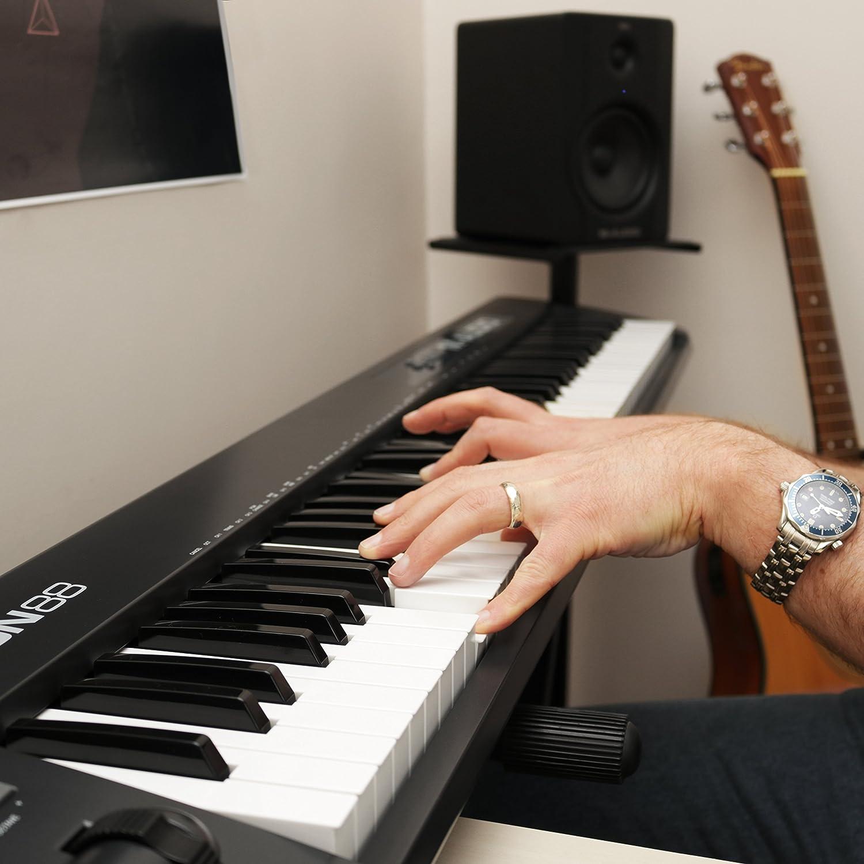 M-Audio Keystation 88 II Reviews - Ultra-Portable 88 Key 2