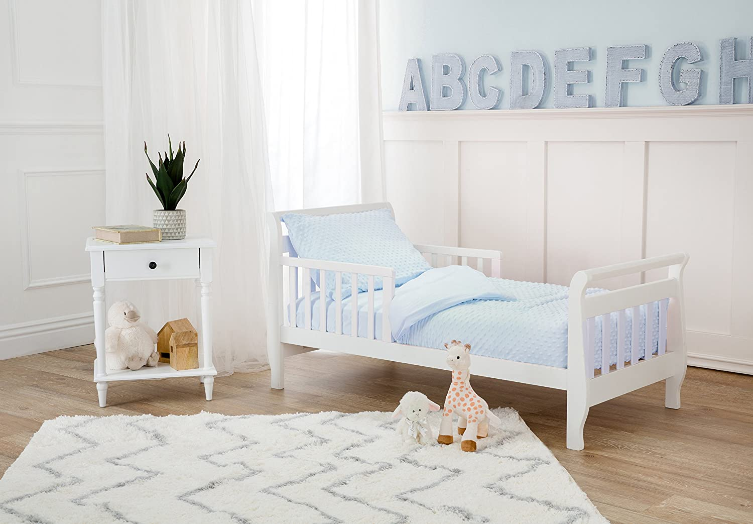 American Baby Company Minky Dot Chenille 4-piece Toddler Bedding Set for Boys and Girls White