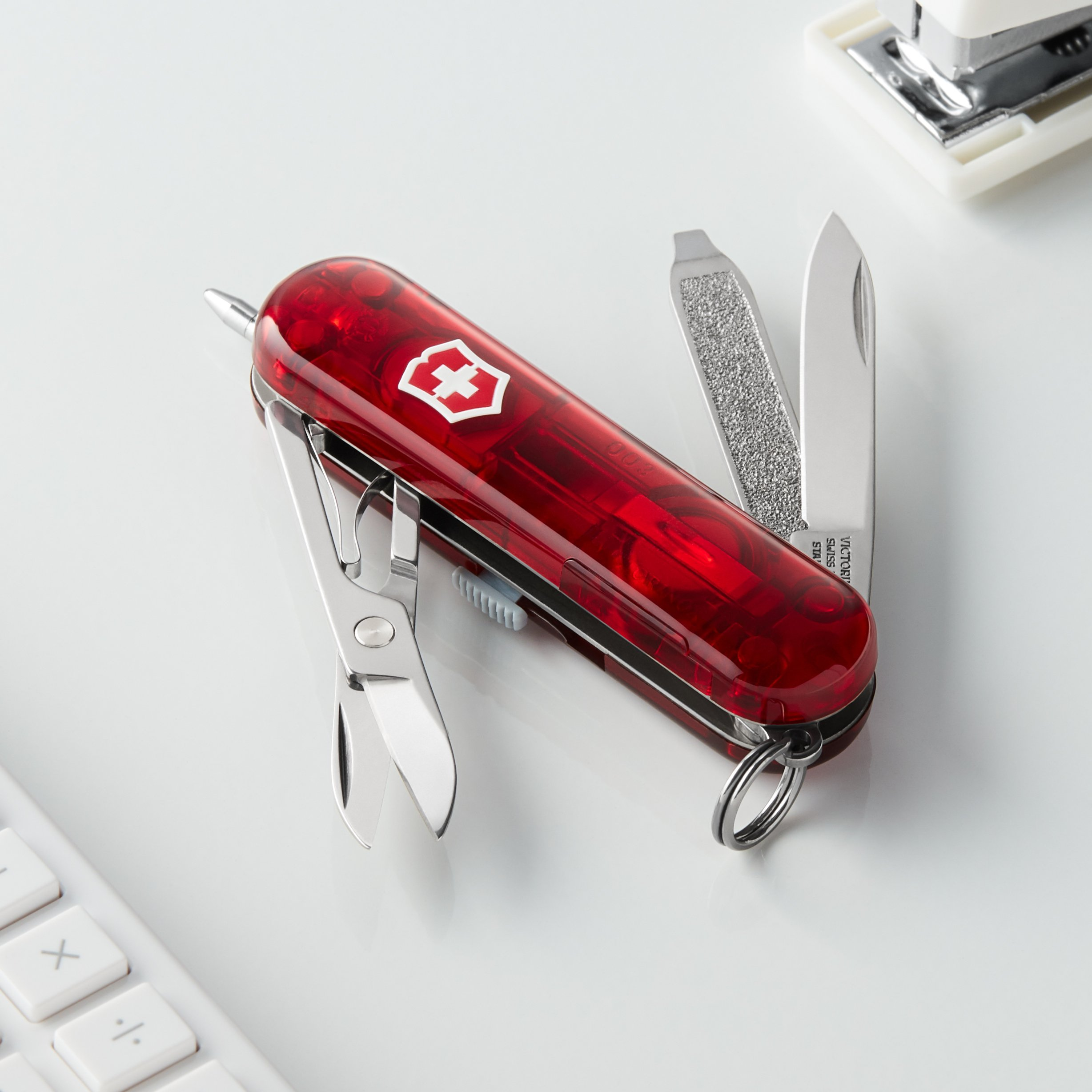 Victorinox Swiss Army Signature Lite Pocket Knife, Ruby by Victorinox (Image #3)