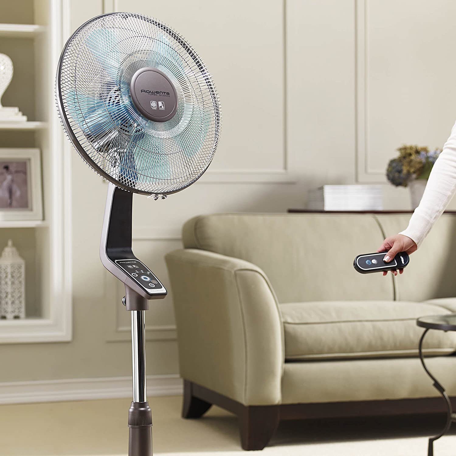 Amazon com  Rowenta VU5551 Turbo Silence Oscillating 16 Inch Stand Fan  Powerful and Quiet with Remote Control  4 Speed  Silver  Home   Kitchen. Amazon com  Rowenta VU5551 Turbo Silence Oscillating 16 Inch Stand