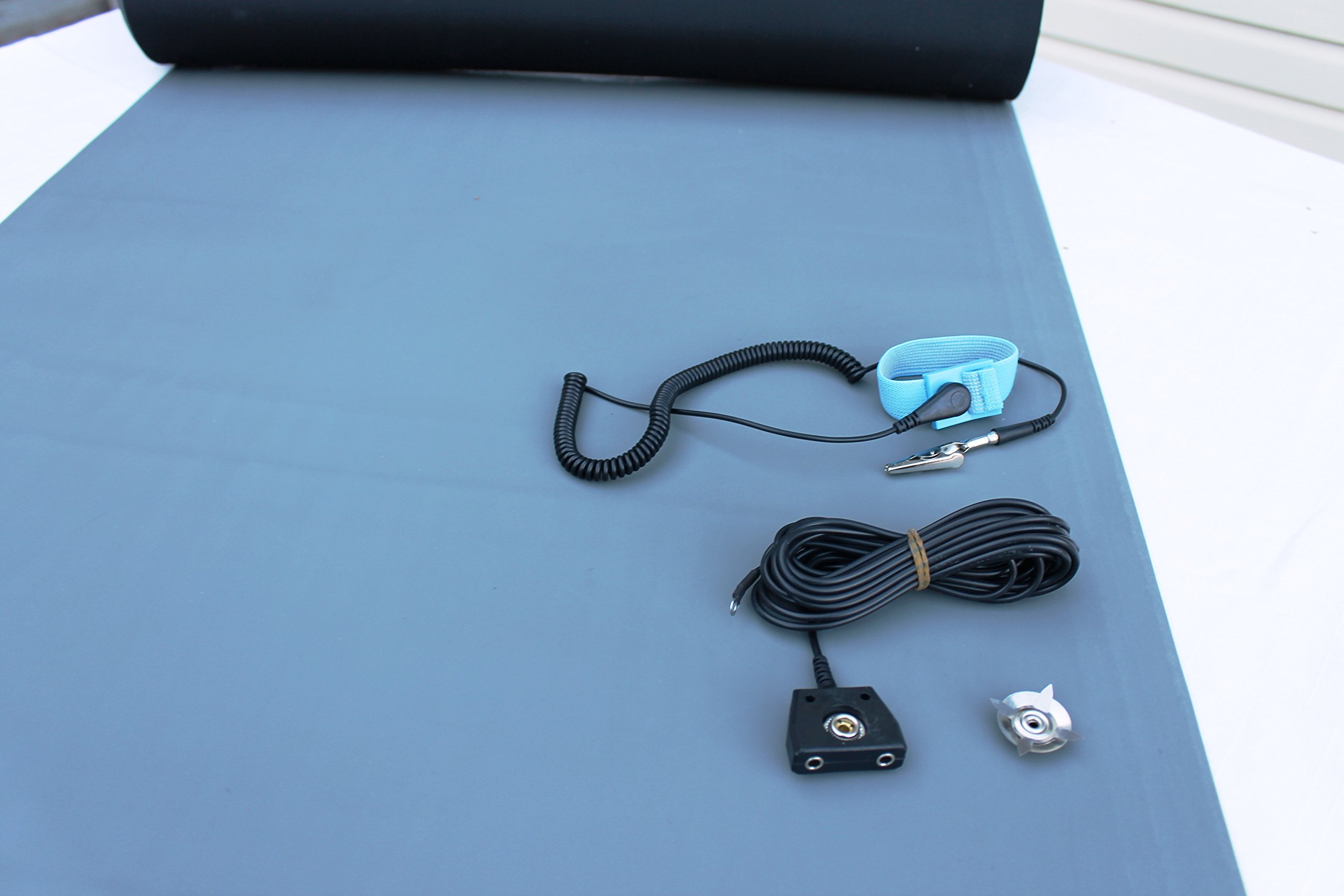 Rubber ESD Anti-Static HIGH Temperature Soldering MAT KIT-24'' X 36'' (2'x 3') - 0.08'' Thick- with Dual Point and Wrist Strap-Gray