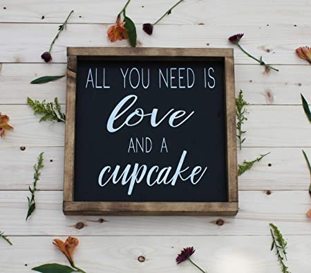 10EvanButl All You Need Is Love and A Cupcake - Cartel de ...