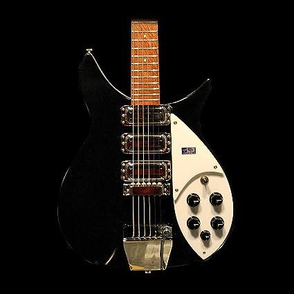 Rickenbacker 325 C64 guitarra en Miami jetglo